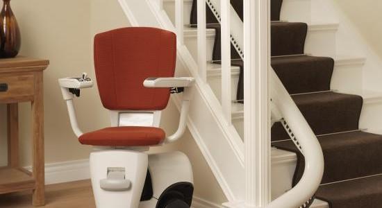 Le guide complet sur le fauteuil monte-escalier